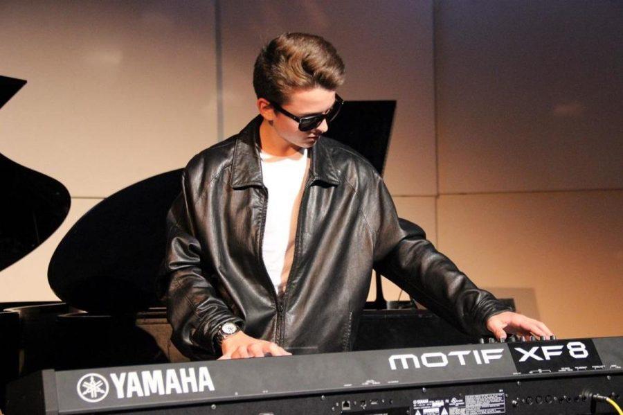 Keyboard+junior+Nick+Baldwin+performs+%0Ahis+piece+at+Impromptu+on+Oct.+10.