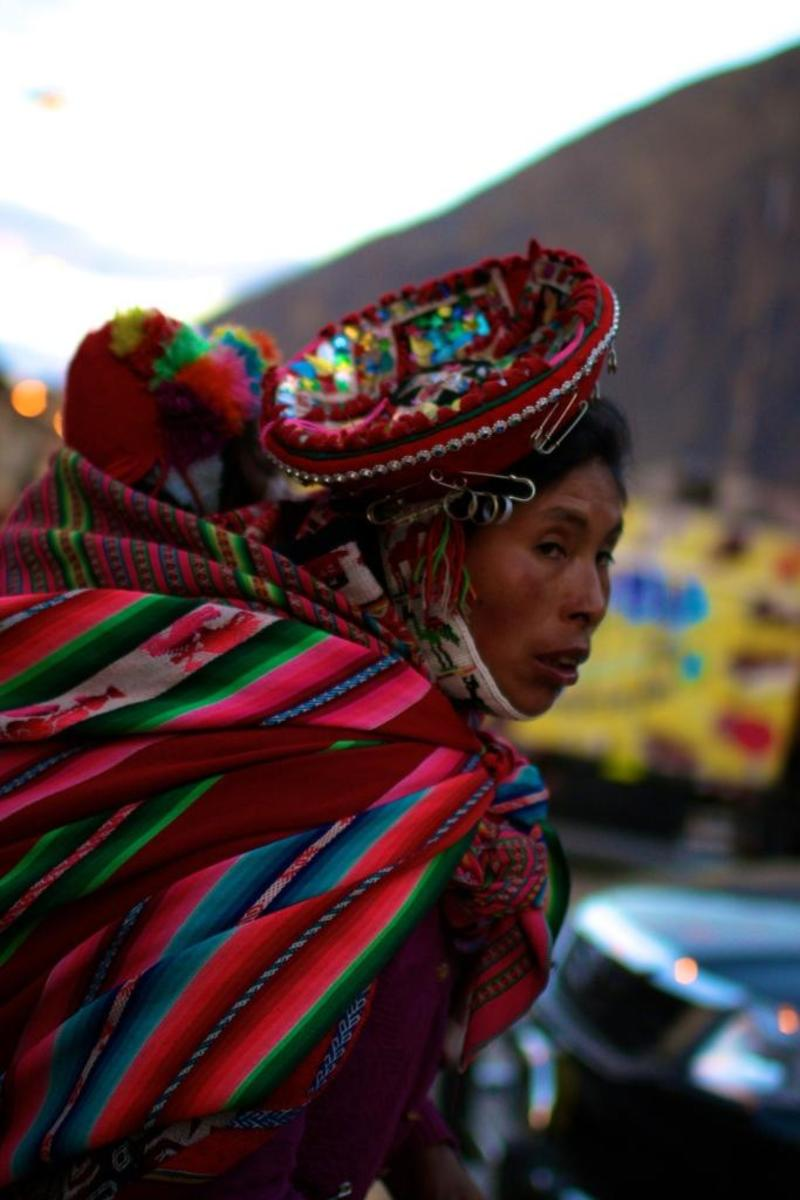 Traditional attire for Incan women consists of bright colors and irregular patterns. Most of the clothes are hand woven by the women themselves and represent the strong cultural ties that the people have to their heritage.