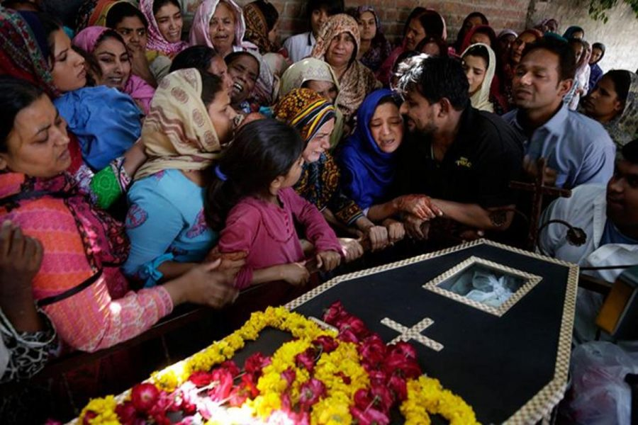 On Monday, March 28, Pakistani women mourned the death of a man who was killed in a suicide bombing in Lahore.