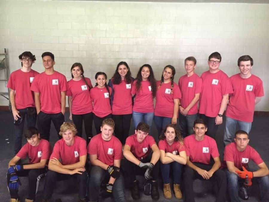 Communications+sophomore+Ruby+Rosenthal+%28center%29+and+Project+Tikvah+2016+attendees+pose+at+the+All+Hands+Volunteers+Center.