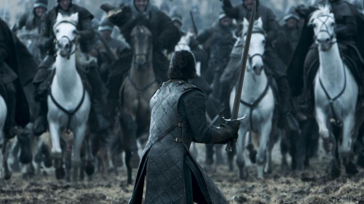 Jon Snow stands alone in the battlefield as the Bolton cavalry charges towards him.