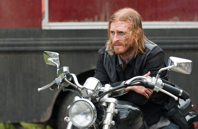 Austin Amelio as Dwight in Episode 3 of The Walking Dead's most recent season.