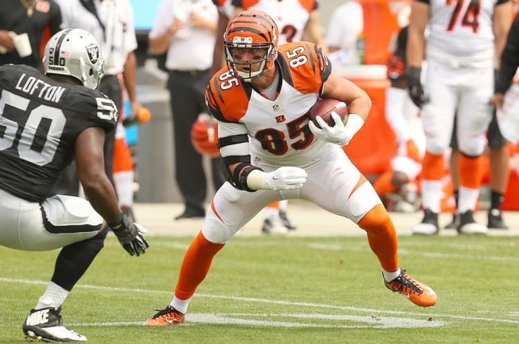 Cincinnati Bengals tight end Tyler Eifert at a game against the Oakland Raiders in 2015. Eifert is expected to do well this week against the Cleveland Browns, and fantasy owners are advised to keep him in their lineup.