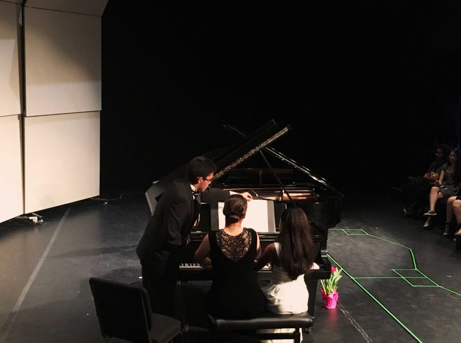Piano+sophomores+Annemarie+Gerlach+%28L-R%29+and+Adele+Denizard+open+the+recital+with+%E2%80%9CBilder+aus+Osten+Op.+66+No.+4+%26+5%E2%80%9D+composed+by+Robert+Schumann.