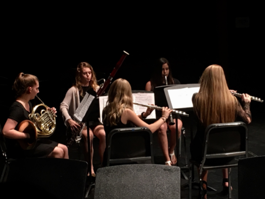 The+wind+quintet+performed+%E2%80%9CMovements+for+Wind+Quintet%2C+Op.+16%E2%80%9D+composed+by+Robert+Muczynski.+Featuring+whimsical+and+light-hearted+melodies%2C+students+performed+for+friends+and+peers.+
