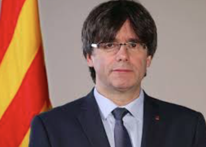 Disgraced+Catalonian+leader+Carles+Puigdemont+poses+for+a+photo+before+he+is+ousted+from+office.+