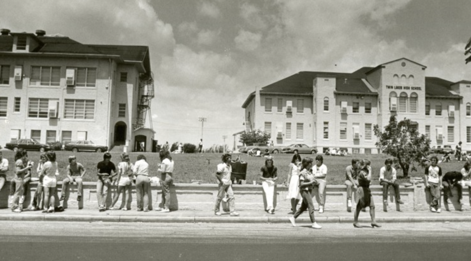 The last time that the Florida Gators and Florida State Seminoles went head to head during a year where both teams were unranked was 1987. In 1987, the campus where Dreyfoos School of the Arts now lies belonged to Twin Lakes High School. Here, students of Twin Lakes enjoy their lunch around campus three years before the historic game. The sidewalk in front of the school was one of the most popular social spots for students.