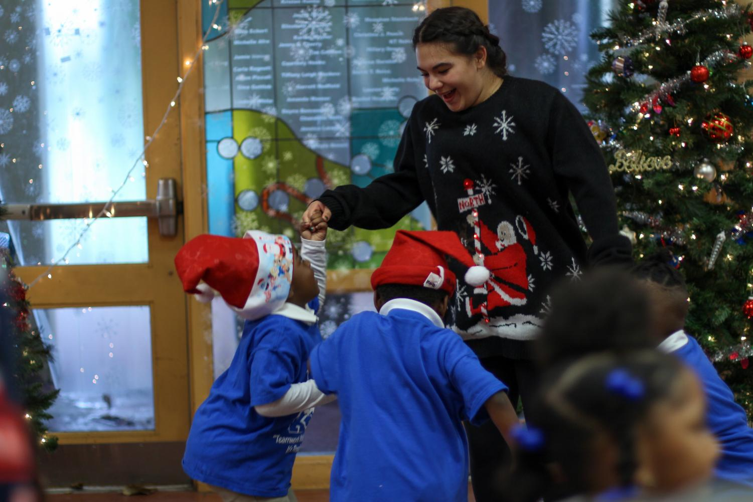 JEFFERSON JUBILEE DELIVERS A HOLIDAY SURPRISE TO ELEMENTARY STUDENTS